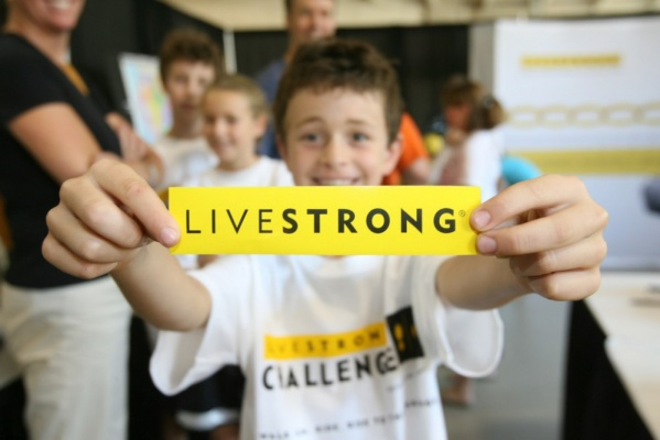Child_with_LIVESTRONG_sticker_700x400